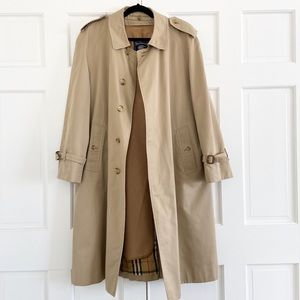 Burberry Vintage Classic Beige Trench Coat